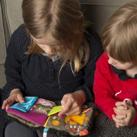 Książeczka sensoryczna Zły Sen Wilka dla dzieci od 6mc, Ebulobo