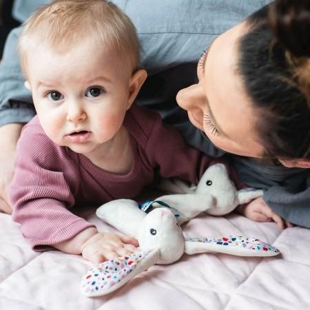 Whisbear Grzechotka Króliczek szary dla niemowląt