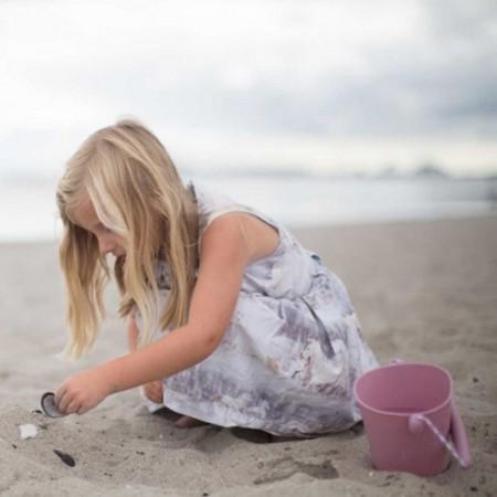 Zwijane wiaderko Scrunch - Koralowy dla dzieci +12m