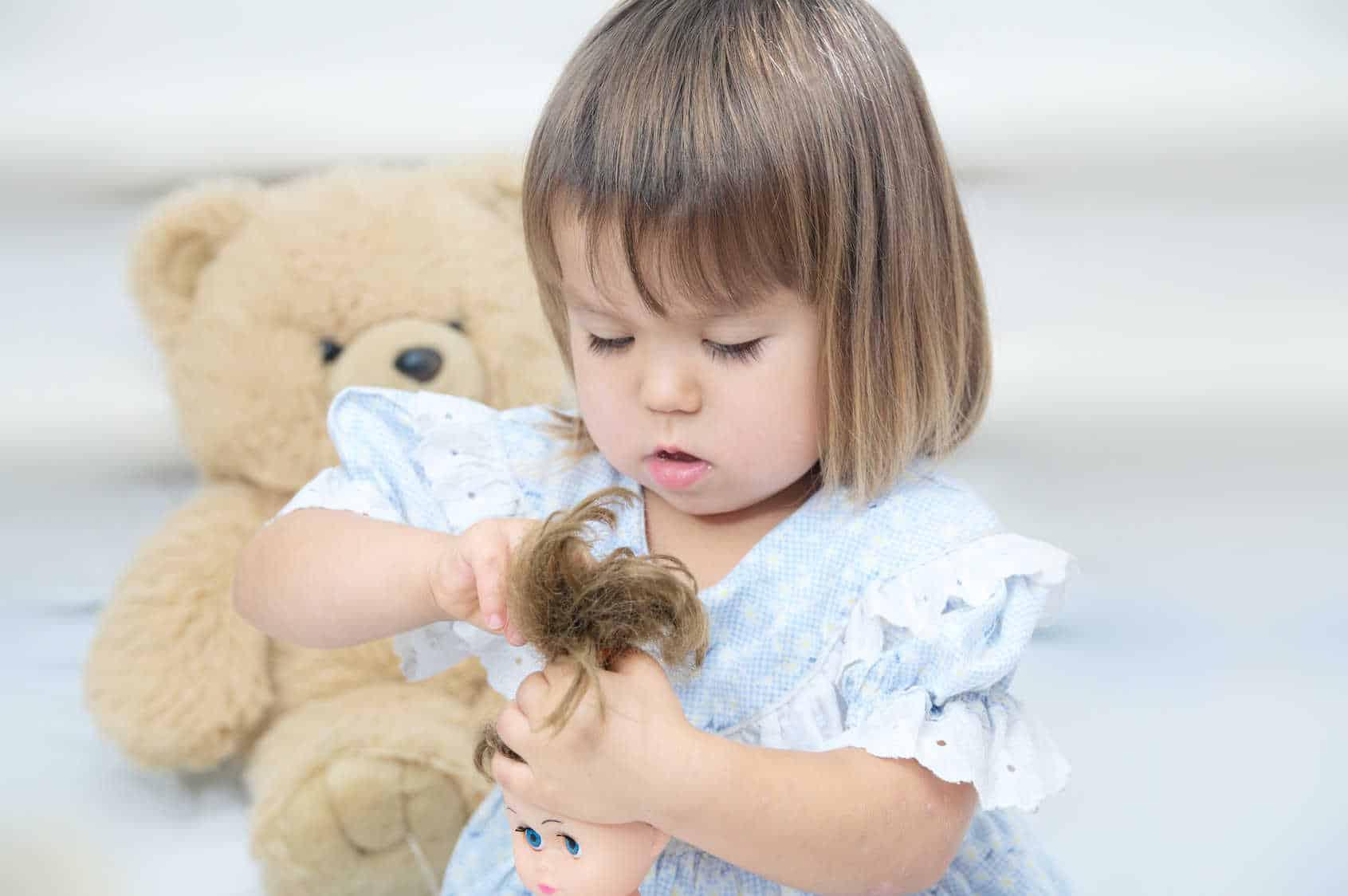 Jak dbać o włosy swojej lalki?